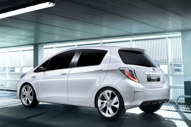 yaris_hsd_concept_02_gms_2011-small