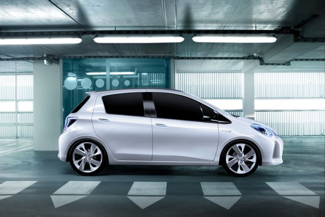 yaris_hsd_concept_05_gms_2011-small