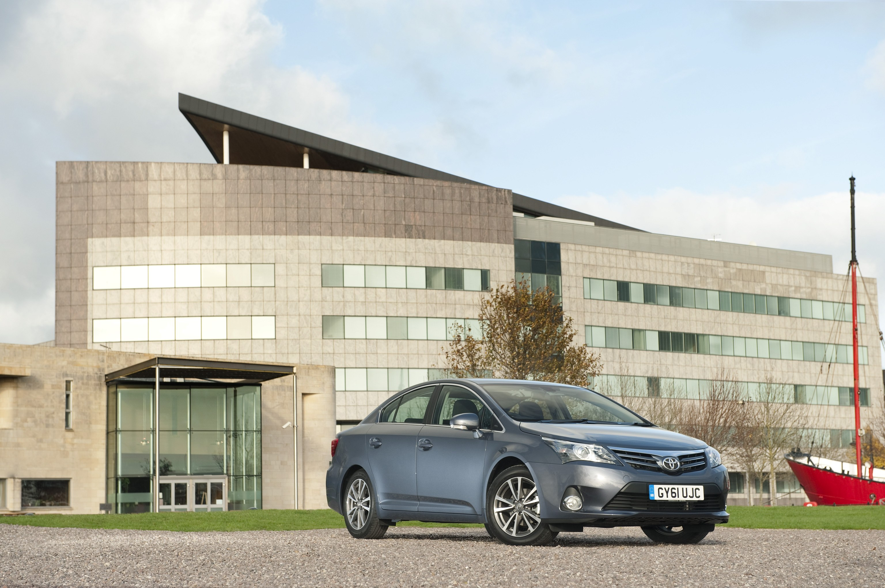New Toyota Avensis saloon