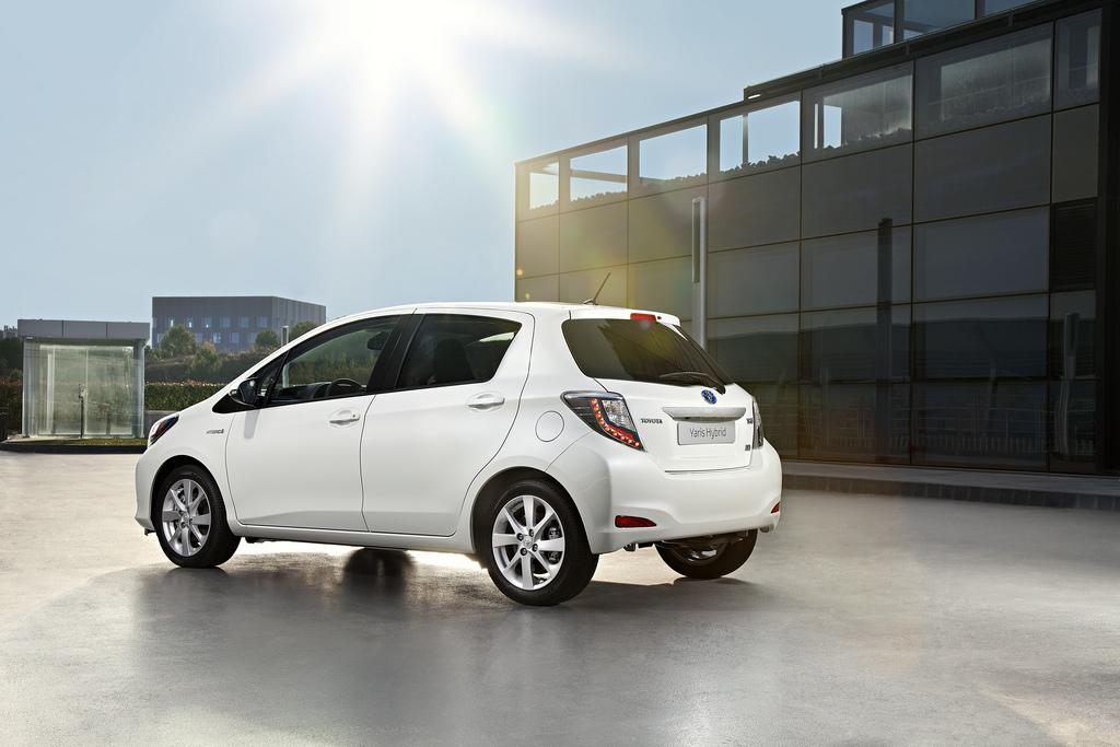 New Toyota Yaris Hybrid