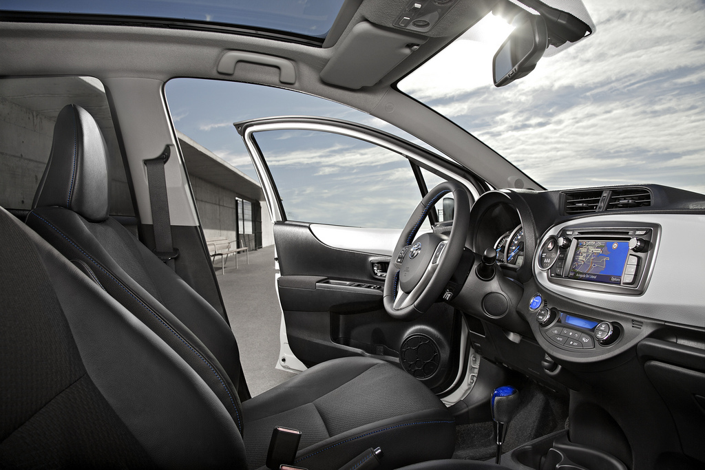 New Toyota Yaris Hybrid interior