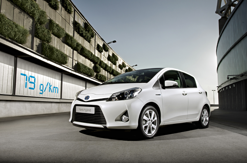 toyota yaris hybrid official uk price announced toyota. Black Bedroom Furniture Sets. Home Design Ideas