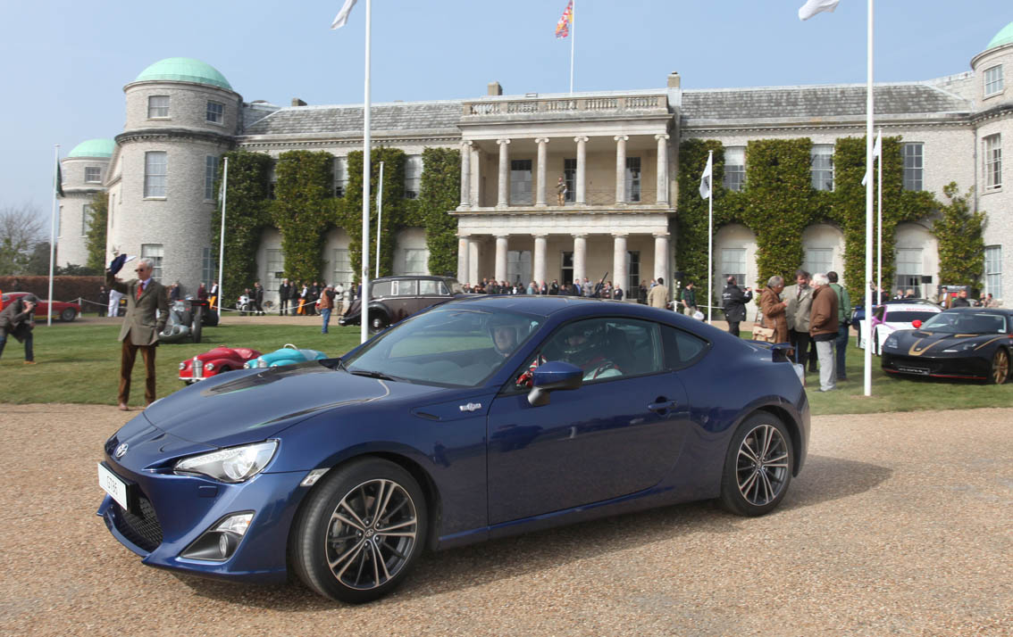 Toyota GT86 Goodwood House