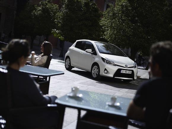 Toyota Yaris Hybrid outside cafe