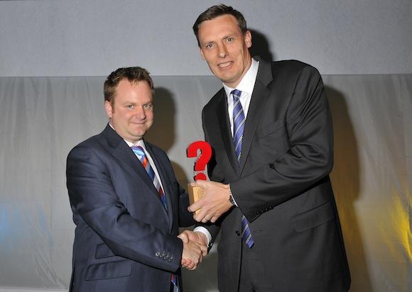 Jon Williams receives What Car? Green Award from Chas Hallett