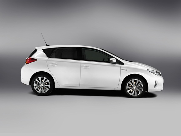 New Toyota Auris profile