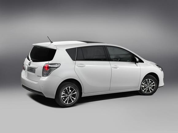 Toyota Verso rear