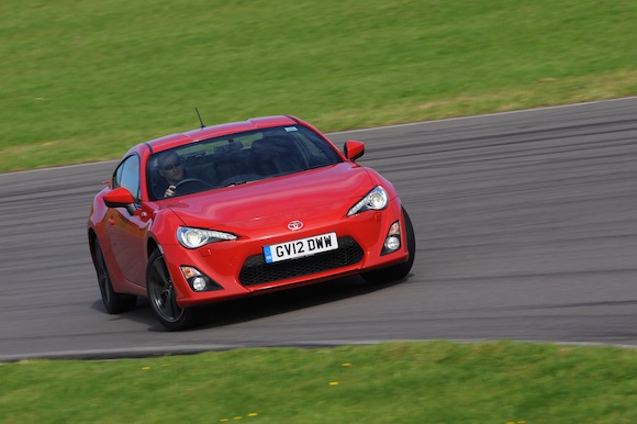 Auto Express GT86 front