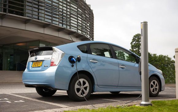 Plug In Car Charging Points Get 163 37m Boost Toyota