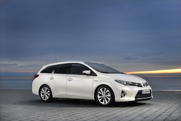 toyota auris touring sports pricing and specifications toyota. Black Bedroom Furniture Sets. Home Design Ideas