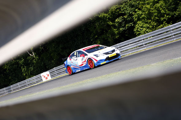 Ollie Jackson Speedworks Motorsport BTCC Toyota Avensis