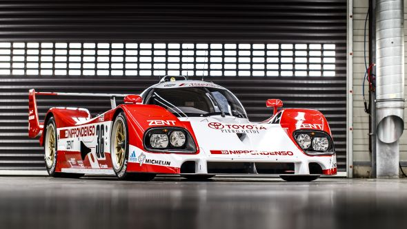 Toyota TS010 front 3/4
