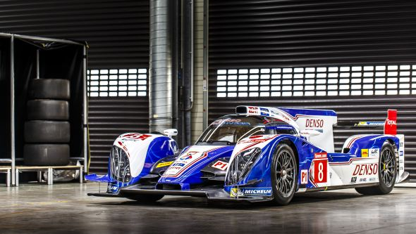 Toyota TS030 front 3/4