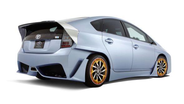 Toyota-Prius-C-and-A-Custom-1