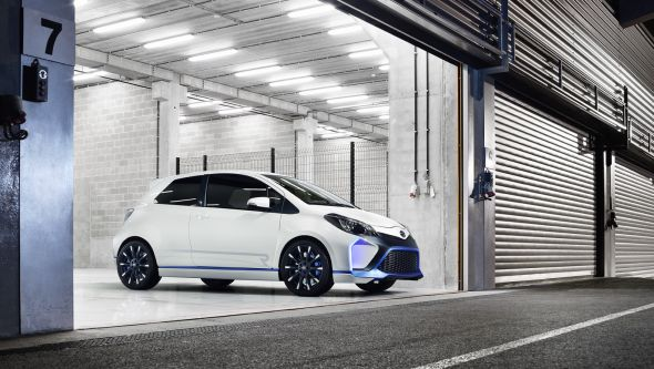 Yaris Hybrid-R 11