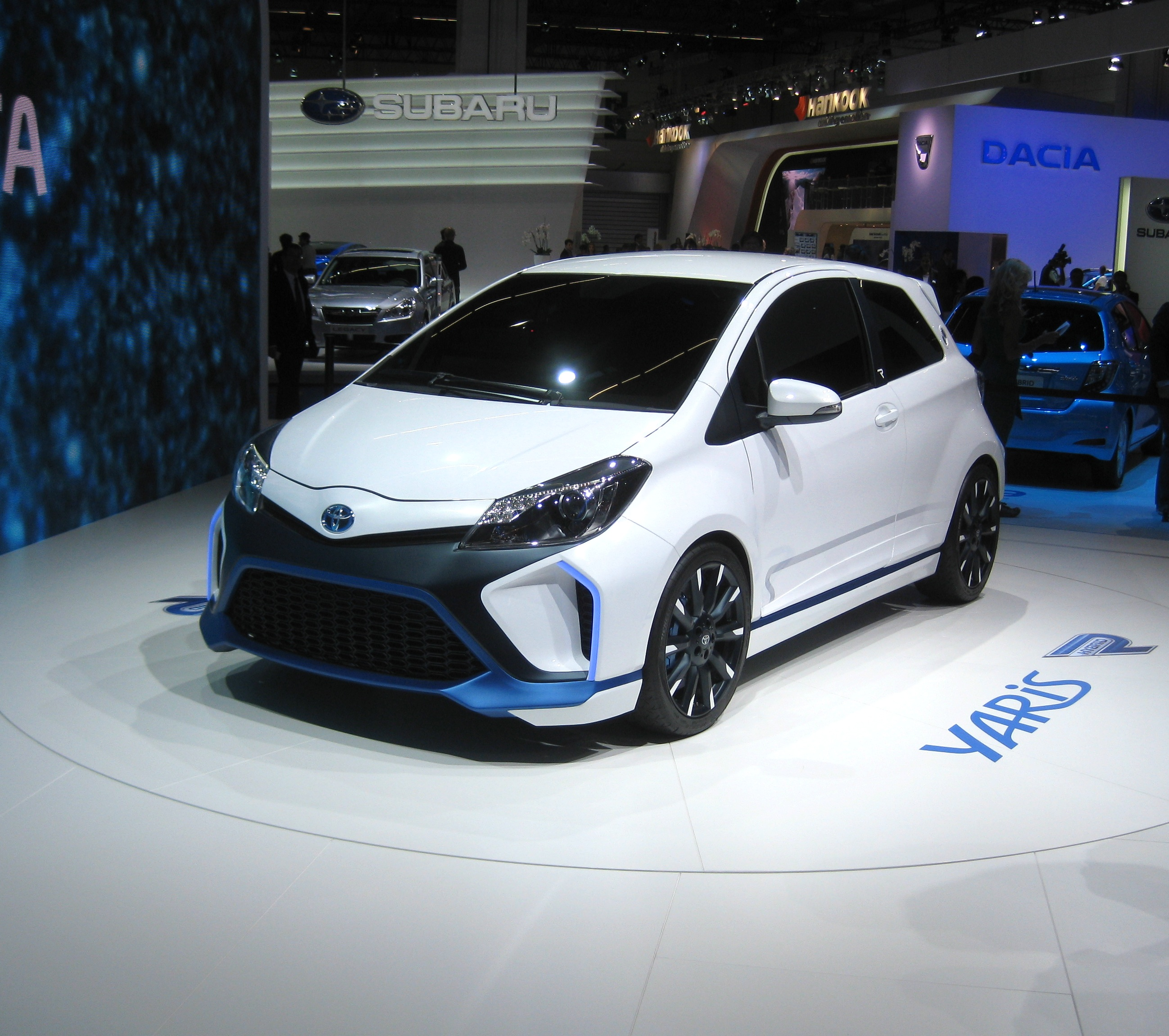 toyota yaris hybrid r revealed toyota. Black Bedroom Furniture Sets. Home Design Ideas