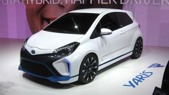 Yaris Hybrid-R front