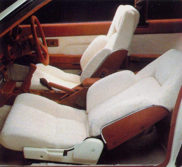 Toyota_SV-2_Interior