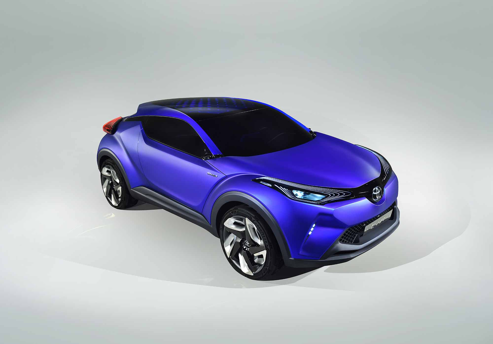 Toyota C-HR side profile front