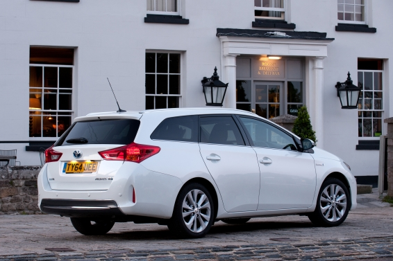 Auris-Touring-Sports-64-plate-566px