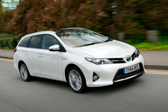 Auris-Touring-Sports-64-plate-dynamic-566px