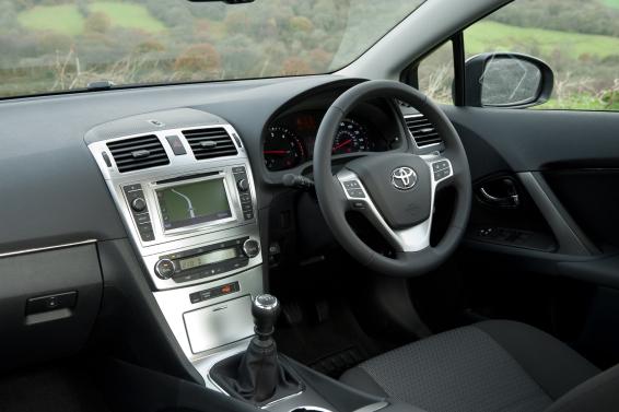 Avensis-interior-566px