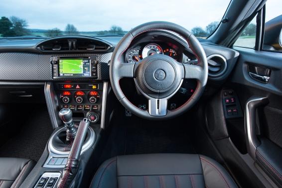 GT86_Giallo_interior_566px