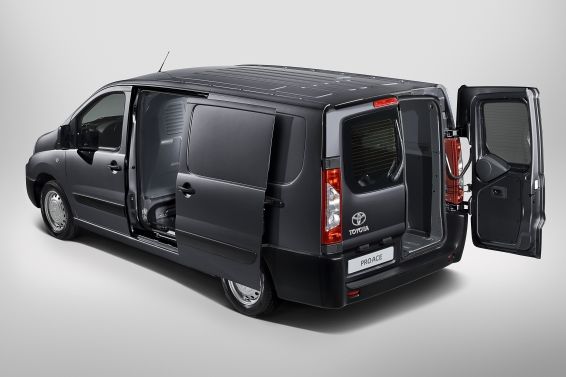 Toyota Proace rear view