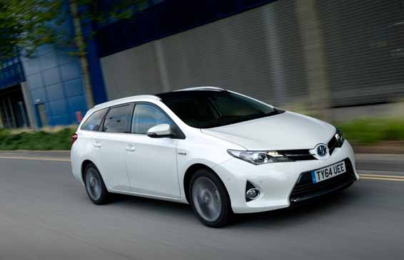 Auris-Touring-Sports-64-plate-005