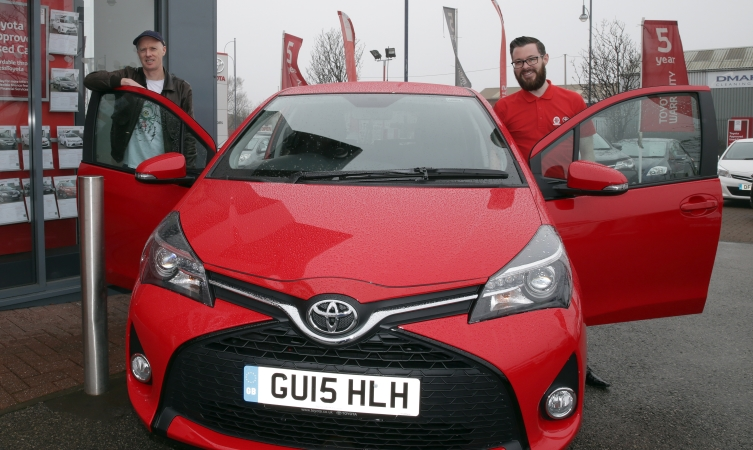 Toyota Yaris Sport for Comic Relief's Red Nose Day 2015