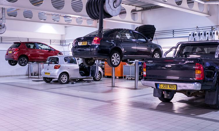why service car toyota dealership