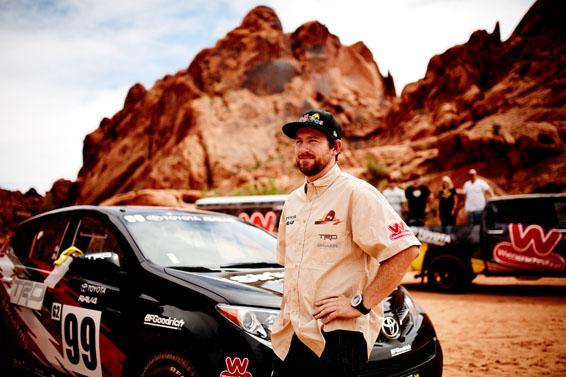 Toyota RAV4 rally car (2)