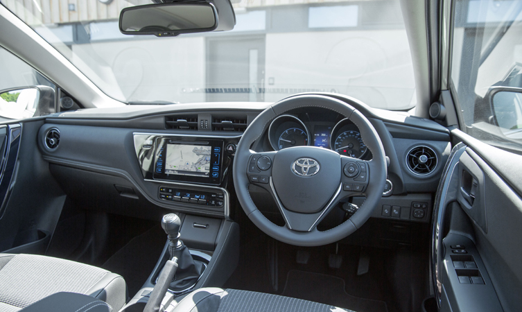 Toyota Auris 2016 >> Feel Touch And Hear The Quality In The New Toyota Auris Toyota