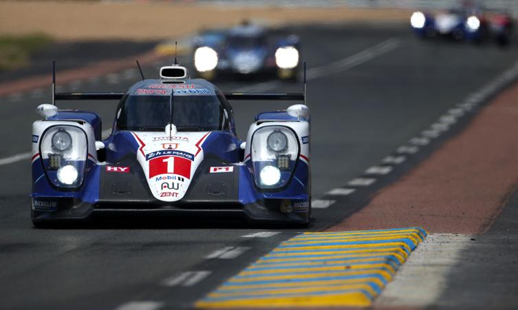 Toyota TS040 Le Mans 2015