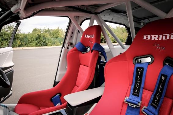Mirai Rally - interior