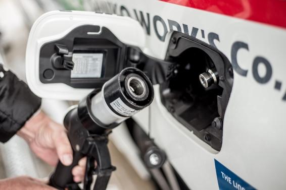 Mirai Rally - refuelling
