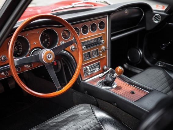 1967 Toyota 2000GT - interior