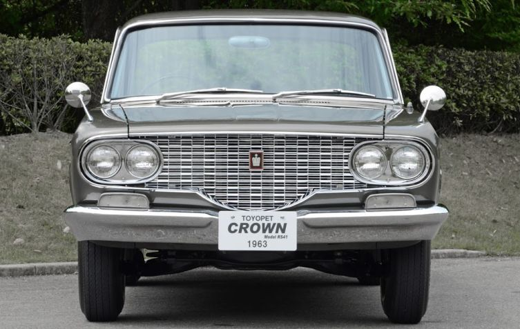 Toyota Crown 2 02