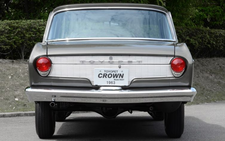 Toyota Crown 2 03