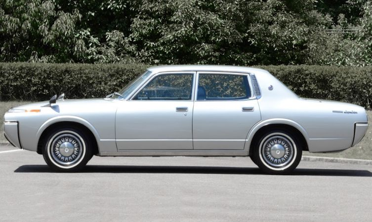Toyota Crown 4 04
