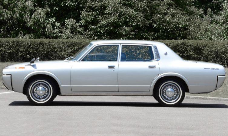 Toyota Crown 4 04