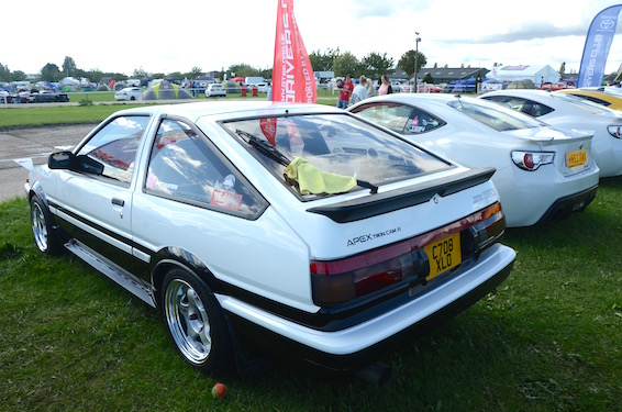 AE86 and GT86 white JAE 2015
