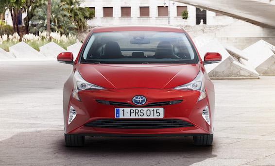 2016 Toyota Prius front
