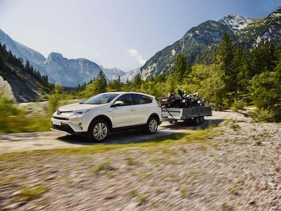 Toyota RAV4 Hybrid tow