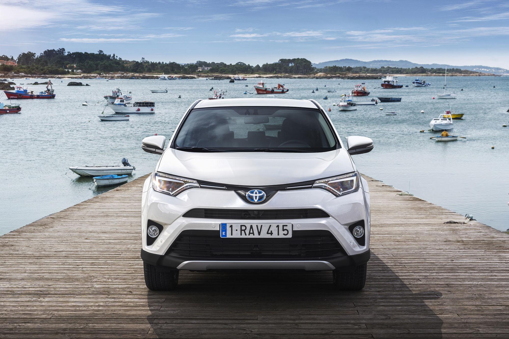 Toyota-RAV4_Hybrid-19