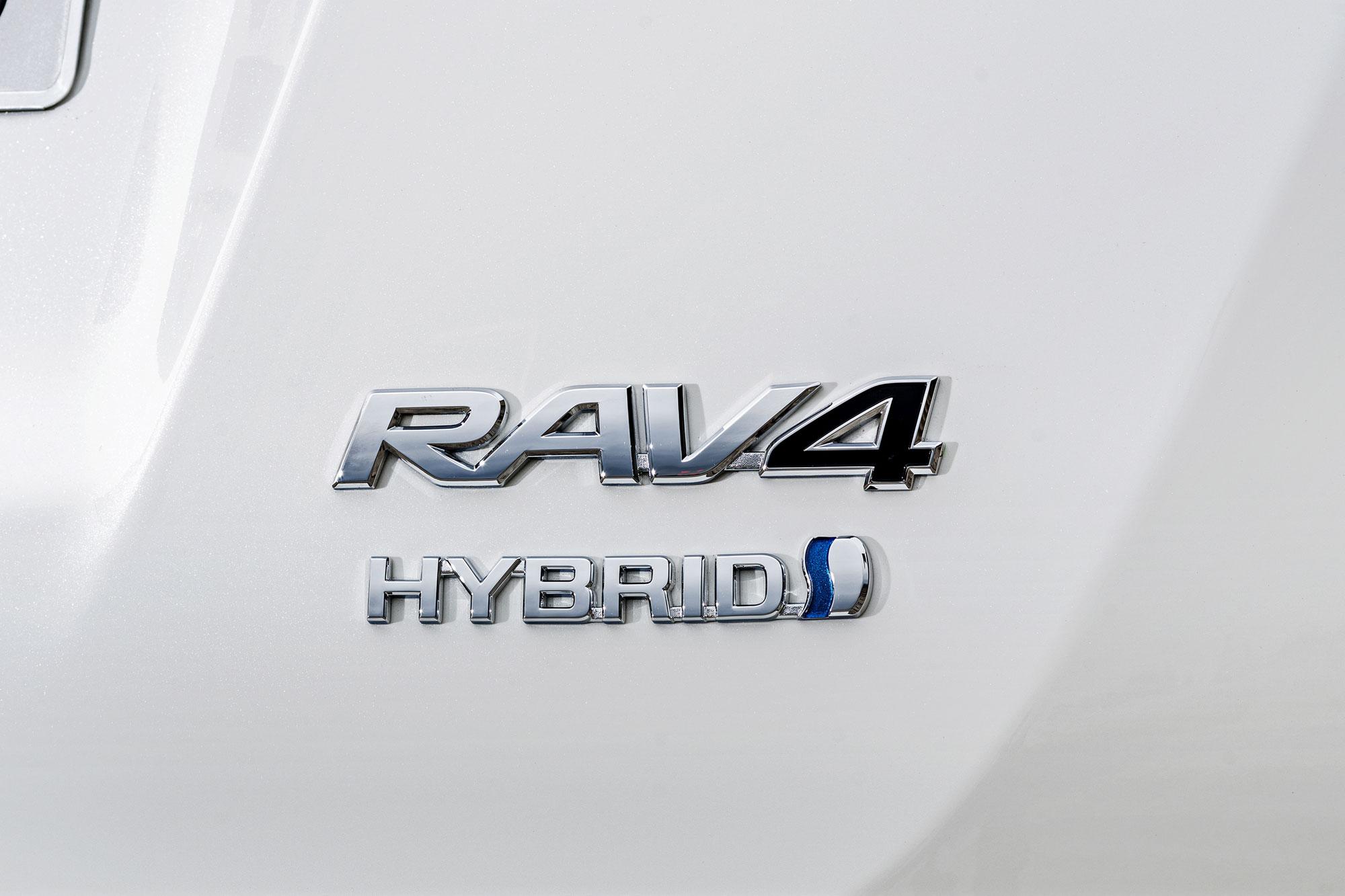 Toyota-RAV4_Hybrid-7
