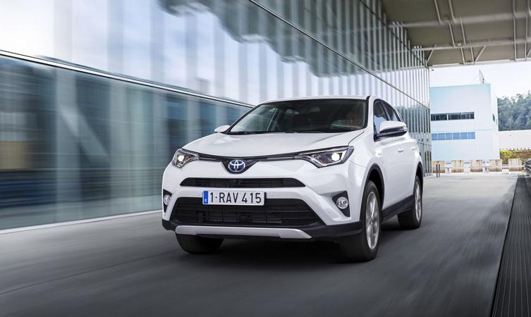 Toyota-RAV4_Hybrid-feature