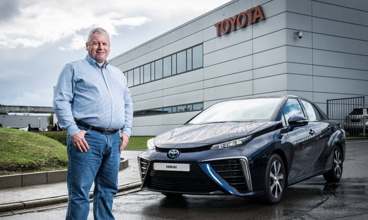 Peter Groom and the Mirai
