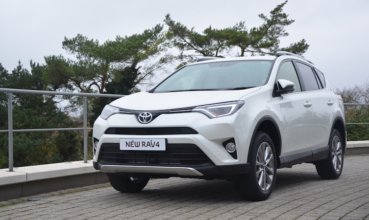 new toyota rav4 what 39 s changed. Black Bedroom Furniture Sets. Home Design Ideas