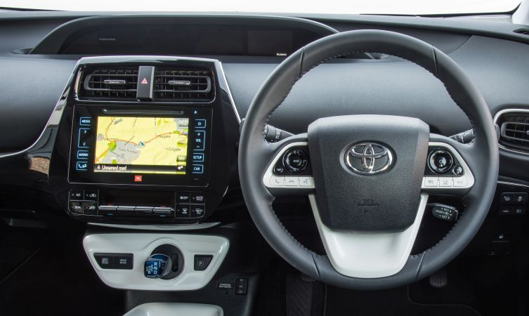 Prius driving 02